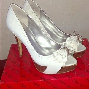 Guess chappel white shoe